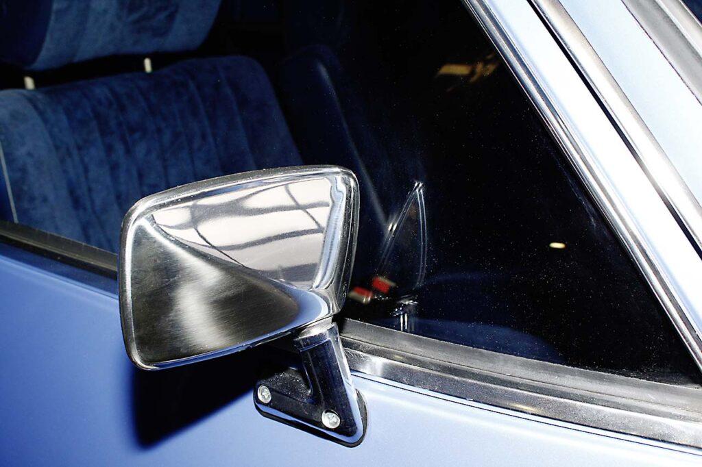 Opel-Rekord-Restaurierung-Seitenspiegel