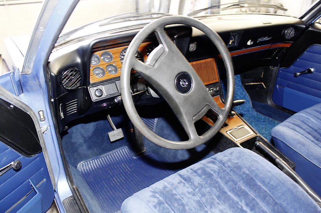 Opel-Rekord-Restaurierung-innenraum-1