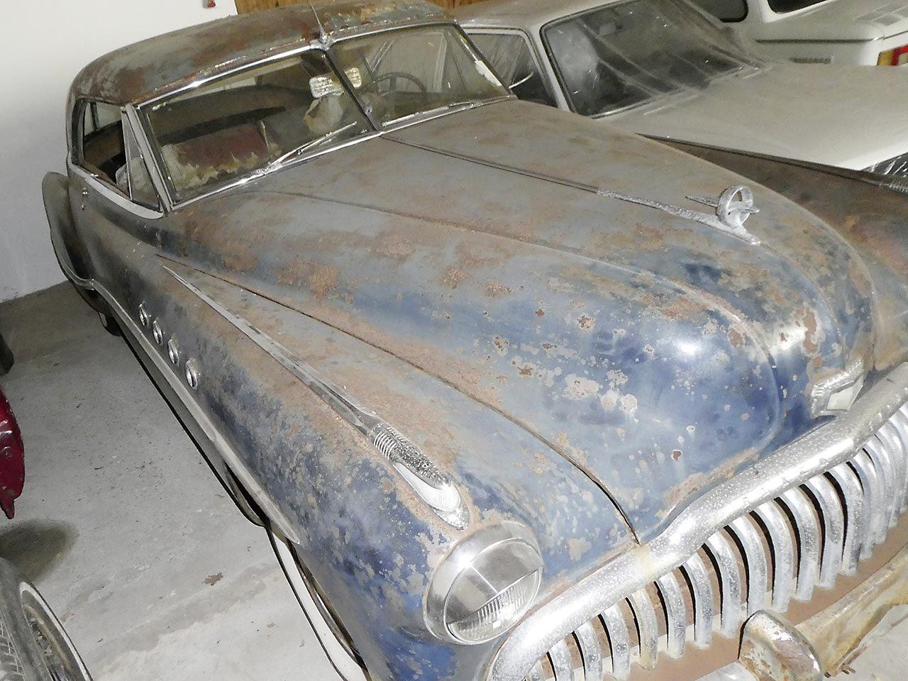 Buick-Roadmaster-1949-3
