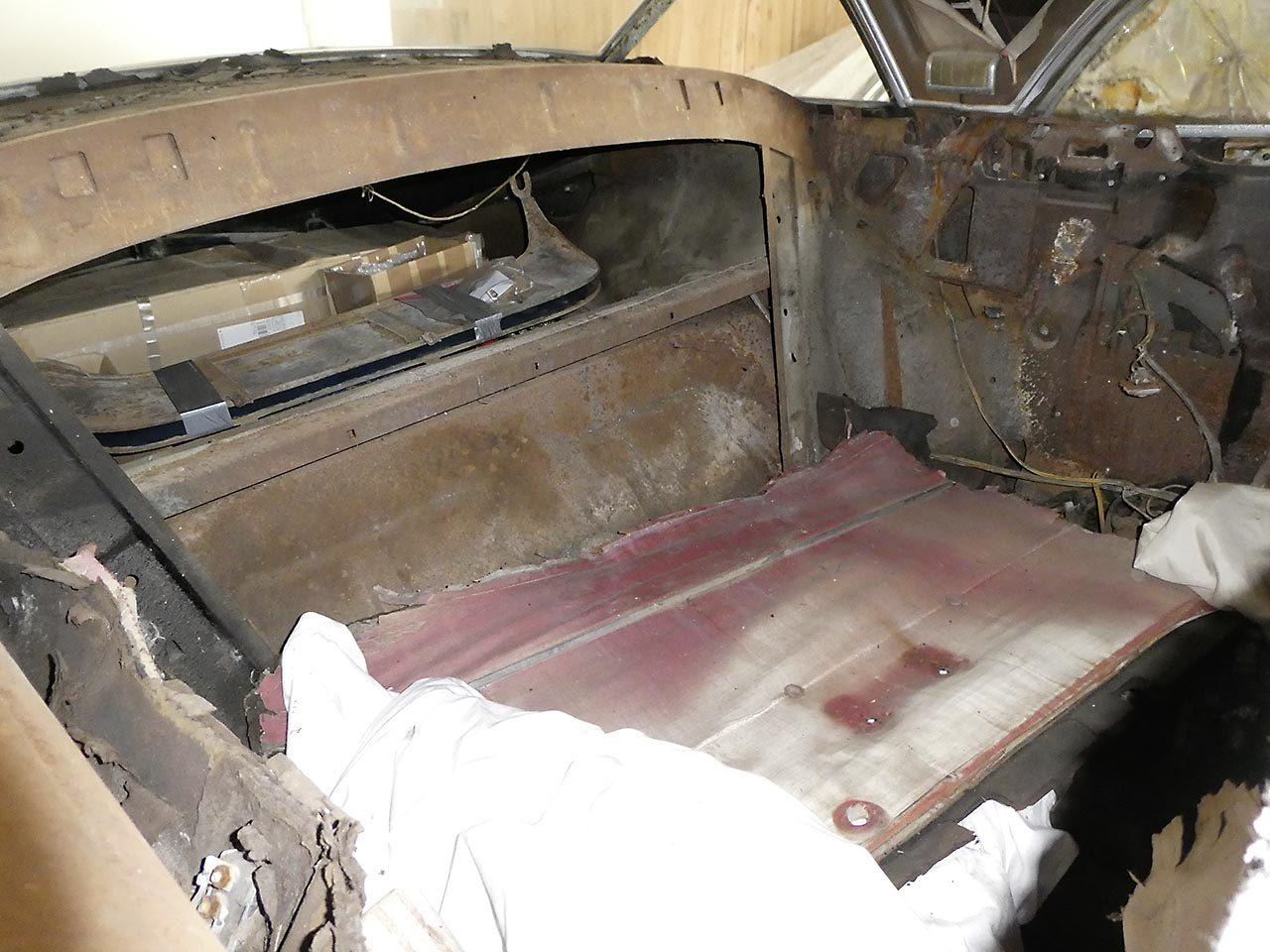 Buick-Roadmaster-1949-5